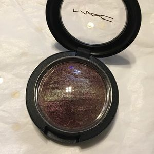 Mac Eyeshadow 'Fireside.'